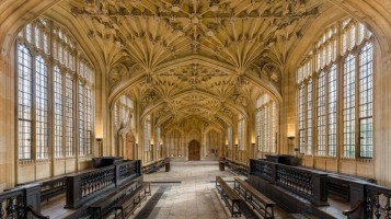 divinity_school_interior_3_bodleian_library-david-iliffwikicommons